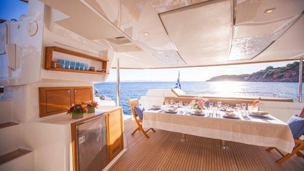 highjinks ii catamaran aft dining (6) min -  Valef Yachts Chartering - 2384