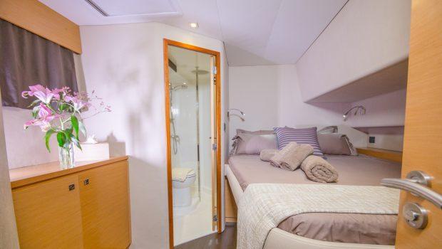 highjinks ii catamaran cabins and bath (5) min -  Valef Yachts Chartering - 2382