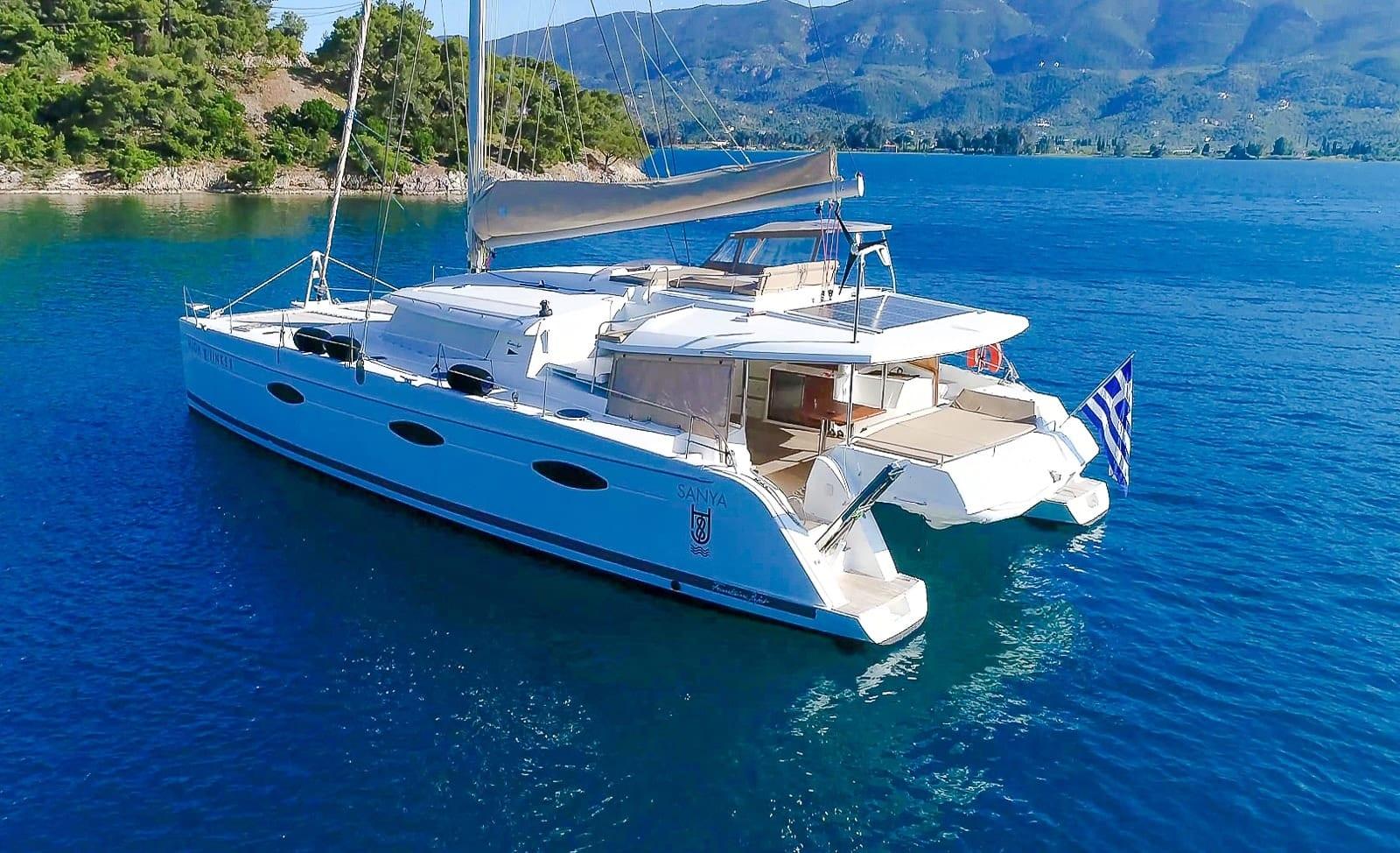 highjinks ii catamaran exteriors (6) min -  Valef Yachts Chartering - 2395