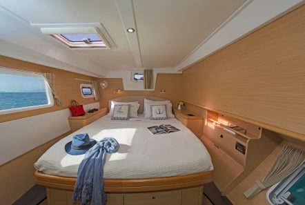 idea catamaran cabins and baths (1) min -  Valef Yachts Chartering - 1829
