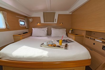 idea catamaran cabins and baths (2) min -  Valef Yachts Chartering - 1828
