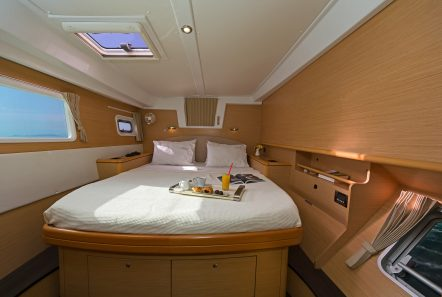 idea catamaran cabins and baths (3) min -  Valef Yachts Chartering - 1827
