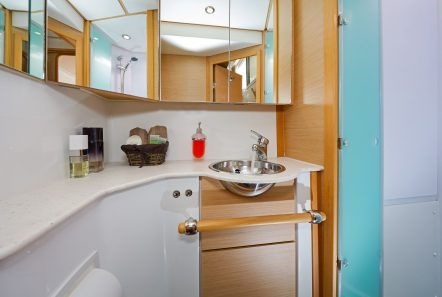 idea catamaran cabins and baths (6) min -  Valef Yachts Chartering - 1824