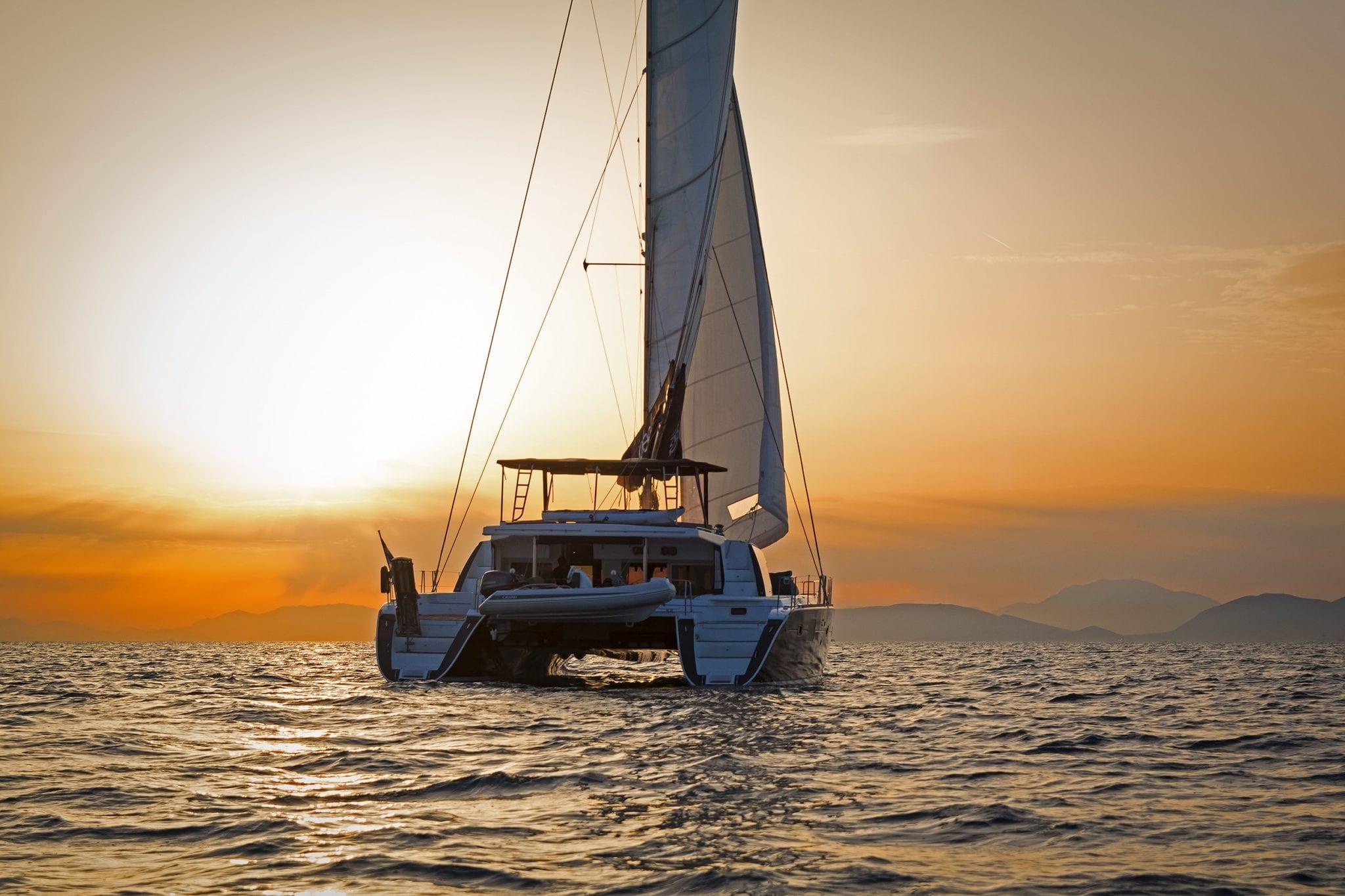 idea catamaran profile (6) min -  Valef Yachts Chartering - 1843