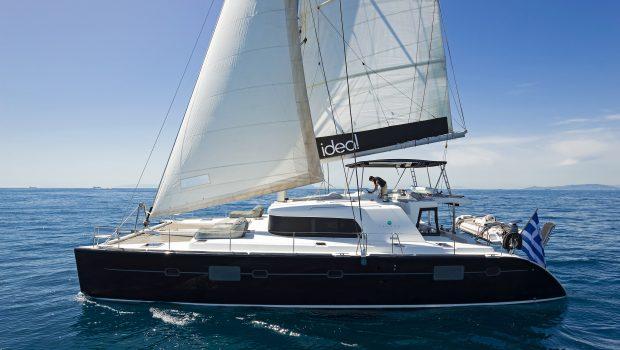 idea catamaran profile (8) min -  Valef Yachts Chartering - 1841