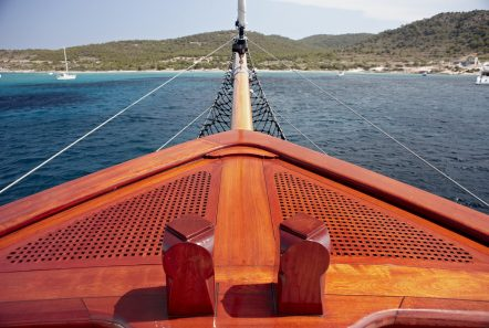 iraklis l motor sailer fore (2) min -  Valef Yachts Chartering - 1767