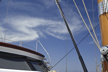 iraklis l motor sailer fore (4) min -  Valef Yachts Chartering - 1765