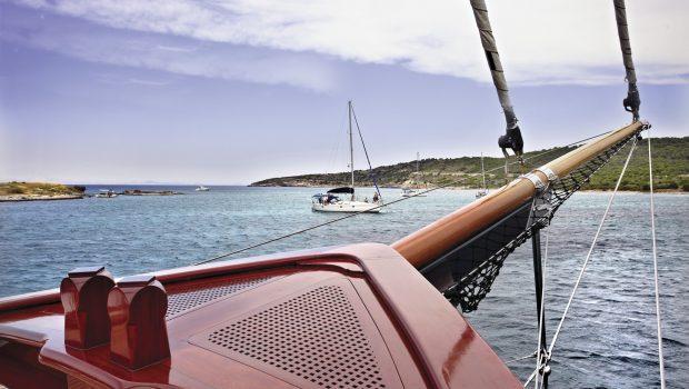 iraklis l motor sailer fore (6) min -  Valef Yachts Chartering - 1763