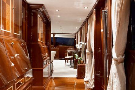 iraklis l motor sailer hall to salon min -  Valef Yachts Chartering - 1761