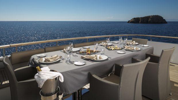 mabrouk motor yacht dining   Copy min -  Valef Yachts Chartering - 2507