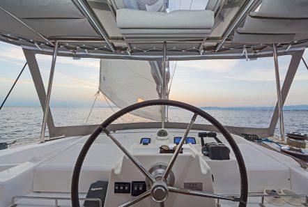 mystique catamaran  helm min -  Valef Yachts Chartering - 1880