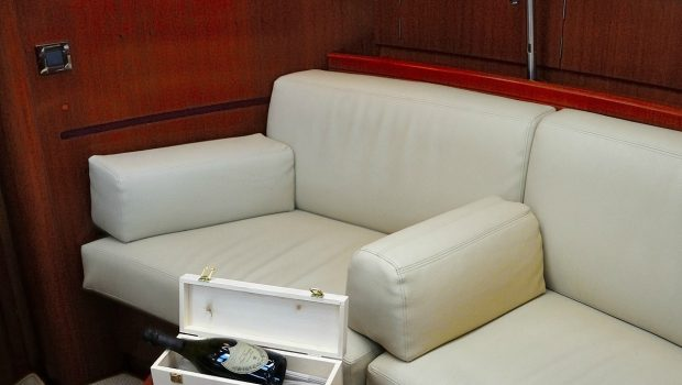 sea star sailing yacht couch -  Valef Yachts Chartering - 1901