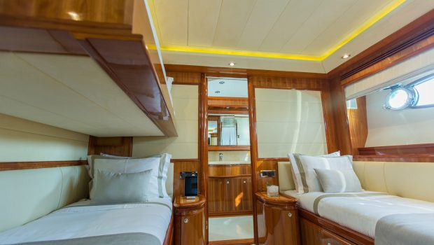 tacos of the sea motor yacht bunks -  Valef Yachts Chartering - 2004