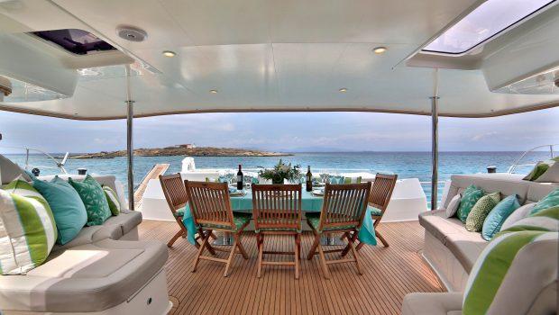 worlds end catamaran aft deck (2) min -  Valef Yachts Chartering - 2141