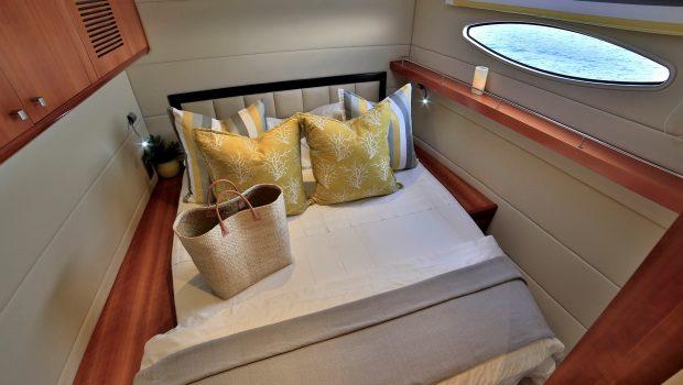 worlds end catamaran cabins and bath (8) min -  Valef Yachts Chartering - 2128