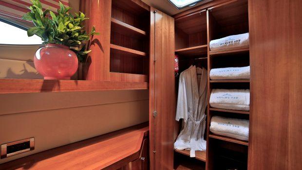 worlds end catamaran cabins and bath (9) min -  Valef Yachts Chartering - 2127