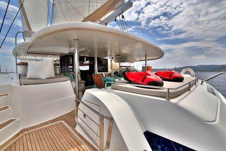 worlds end catamaran decks (1) min -  Valef Yachts Chartering - 2122