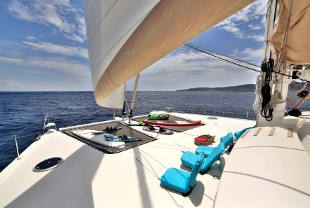 worlds end catamaran decks (9) min -  Valef Yachts Chartering - 2151