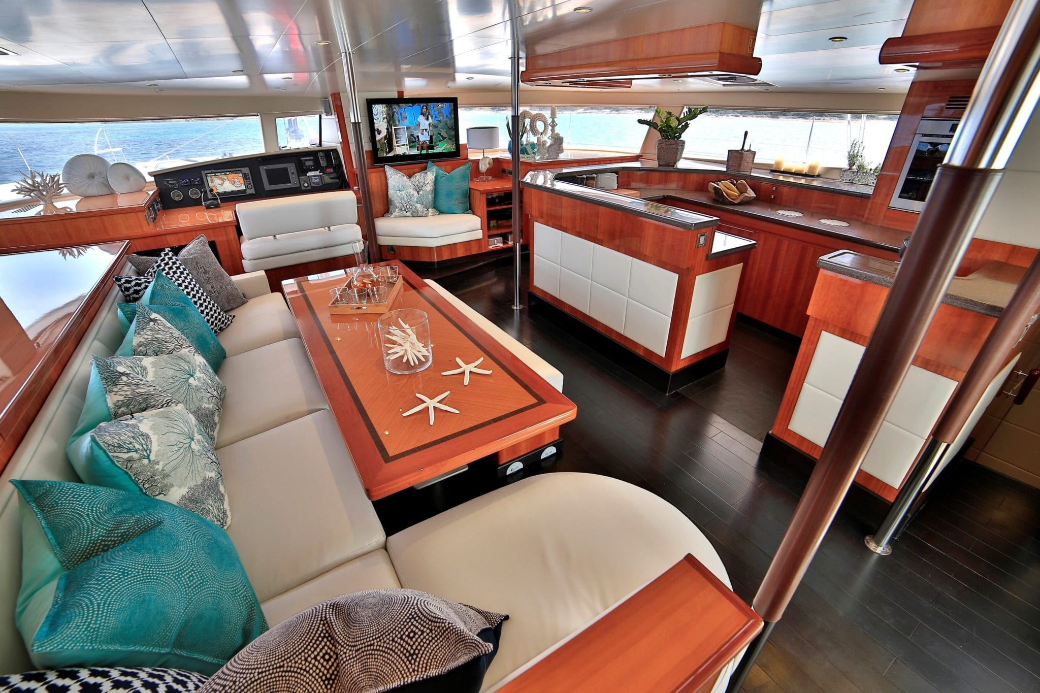 worlds end catamaran salon (2) min -  Valef Yachts Chartering - 2147