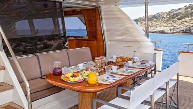 efmaria motor yacht aft diningjpg (3) -  Valef Yachts Chartering - 1507
