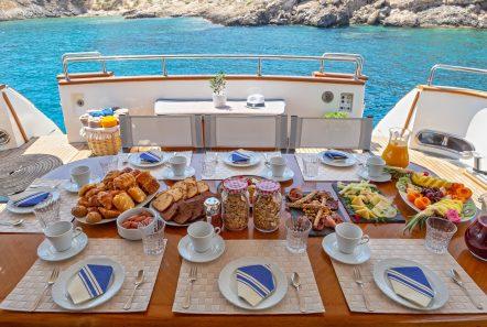 efmaria motor yacht aft diningjpg (4) -  Valef Yachts Chartering - 1506