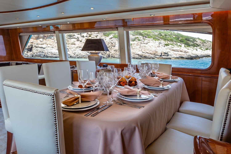 efmaria motor yacht salonjpg (1) -  Valef Yachts Chartering - 1526