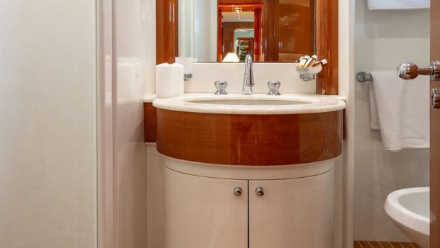 efmaria motor yacht wc min -  Valef Yachts Chartering - 1510