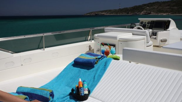 kentavros ii motor yacht lounge min -  Valef Yachts Chartering - 1554