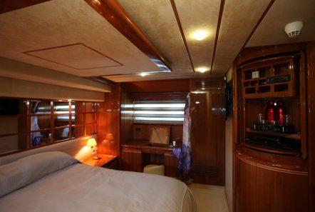 kentavros ii motor yacht master suite (1) min -  Valef Yachts Chartering - 1581