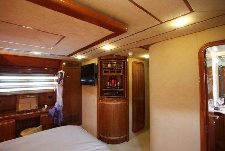 kentavros ii motor yacht master suite (2) min -  Valef Yachts Chartering - 1580