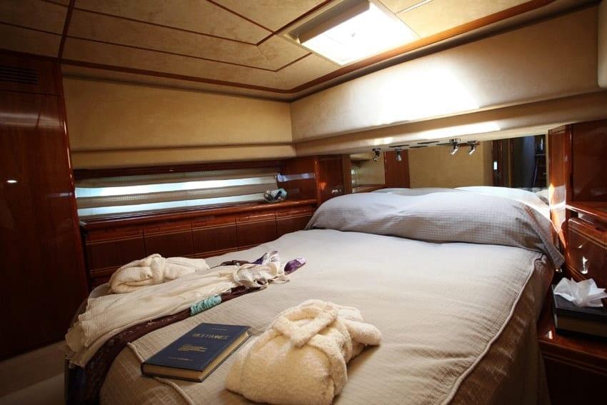 kentavros ii motor yacht vip 2 min -  Valef Yachts Chartering - 1570