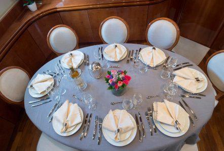 sugar motor yacht indoor dining min -  Valef Yachts Chartering - 1531