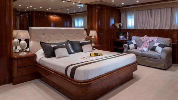 sugar motor yacht master suite min -  Valef Yachts Chartering - 1529