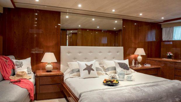 sugar motor yacht vip cabin min -  Valef Yachts Chartering - 1535
