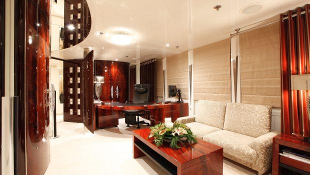 vera motor yacht master office min -  Valef Yachts Chartering - 1491