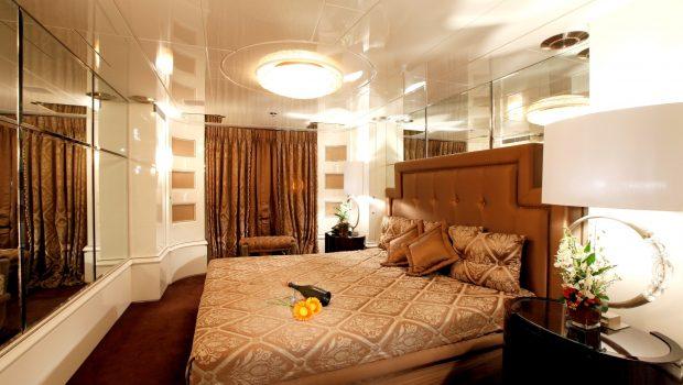 vera motor yacht master stateroom1 min -  Valef Yachts Chartering - 1490