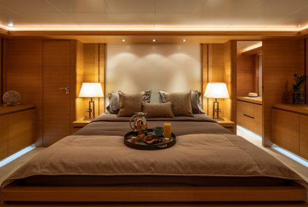 celia motor yacht master bed min -  Valef Yachts Chartering - 1345