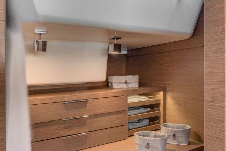 happy feet motor yacht dressing min -  Valef Yachts Chartering - 1374