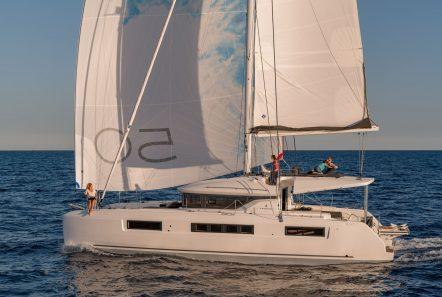 happy feet motor yacht sailing min -  Valef Yachts Chartering - 1383