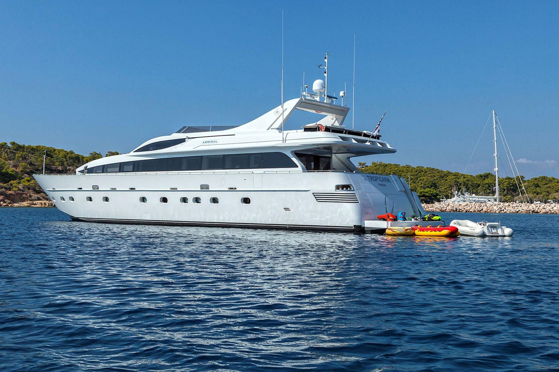 tropicana motor yacht aft_valef 1920px -  Valef Yachts Chartering - 1133