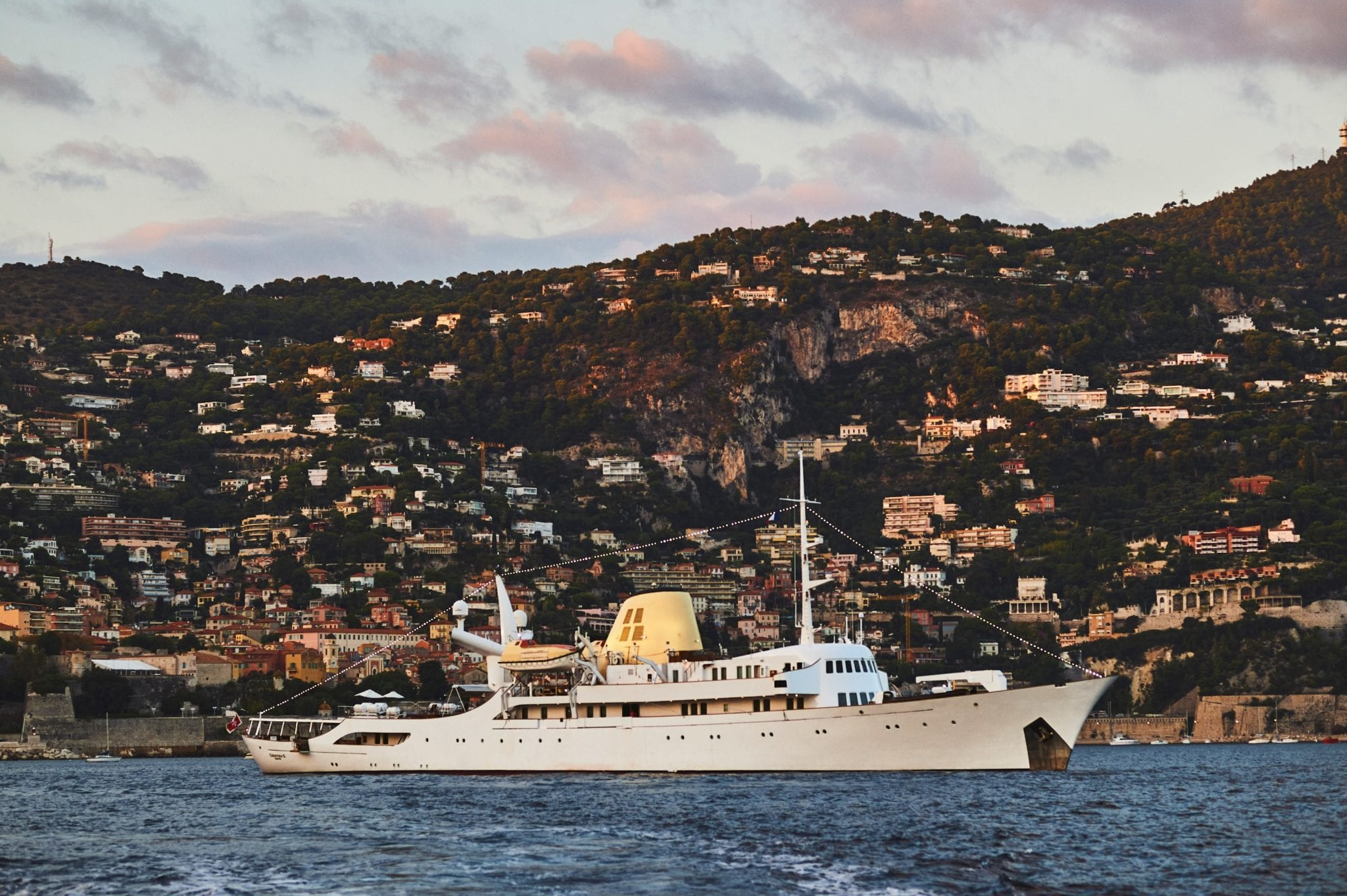 CHRISTINA_O_in Villefranche min -  Valef Yachts Chartering - 1140