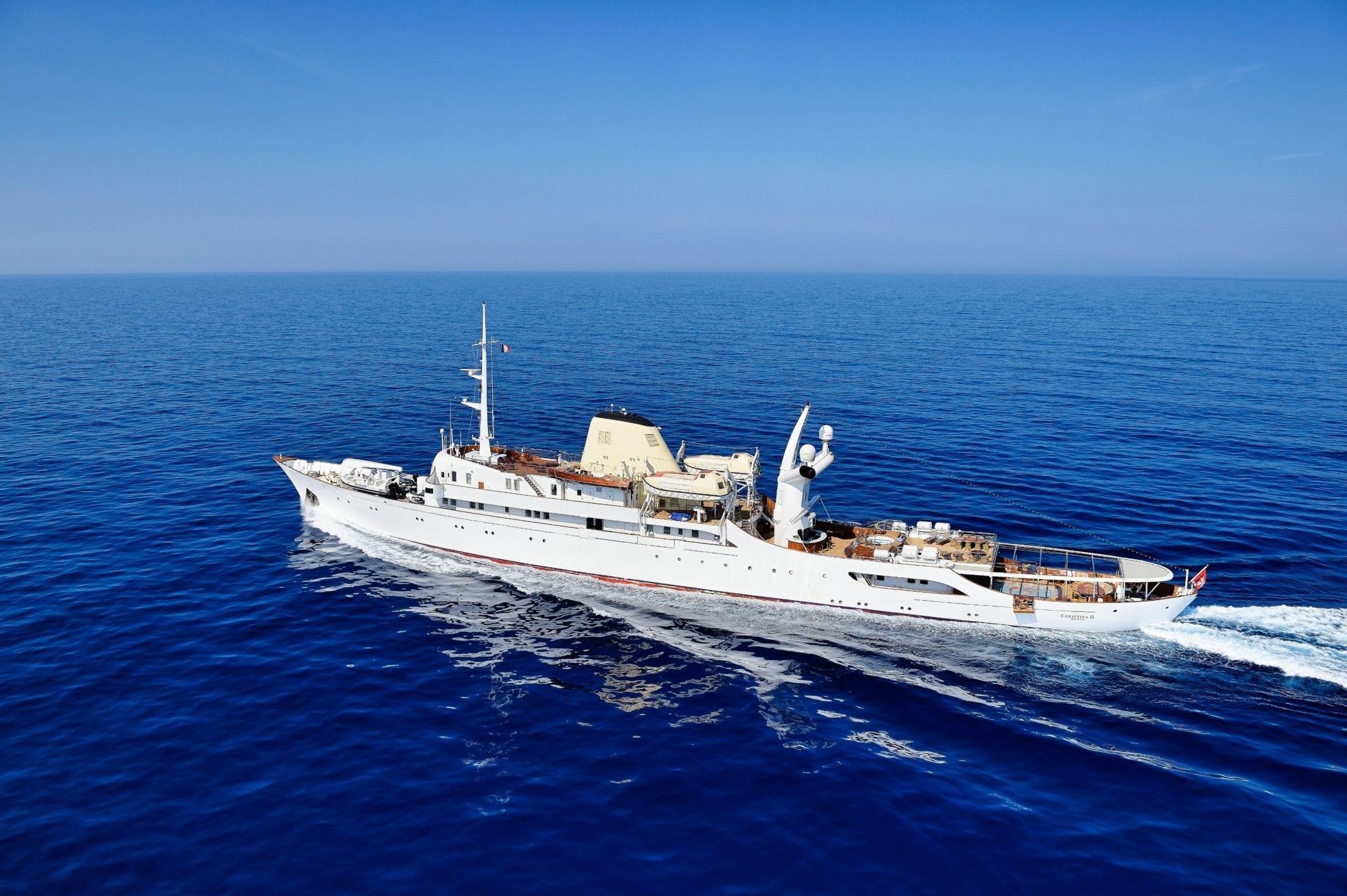 christina_o_118_©_stef bravin min -  Valef Yachts Chartering - 1144