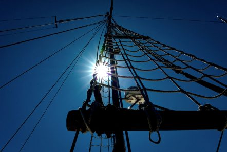 Looking up a motor sailer mast