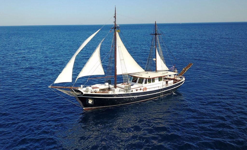 joanna k greek motor sailer profile 1920px - Valef Yachts Chartering - 1197