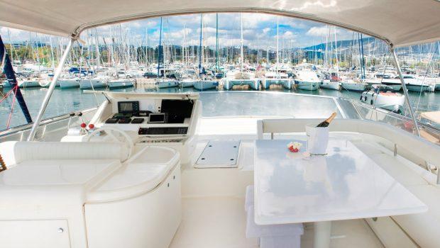avra motor yacht exterior (2) min -  Valef Yachts Chartering - 1047