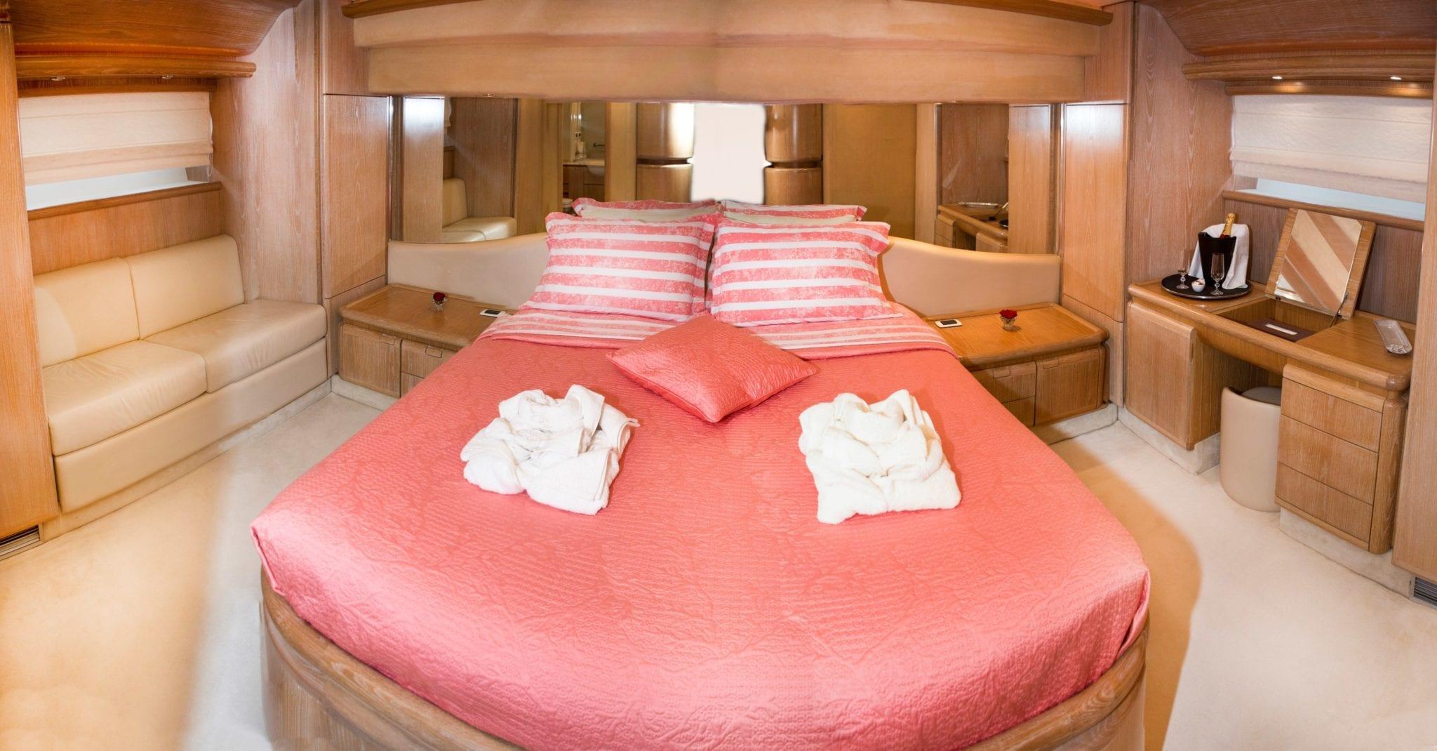 avra motor yacht master stateroom (1) min -  Valef Yachts Chartering - 1066