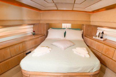 avra motor yacht vip stateroom min -  Valef Yachts Chartering - 1055