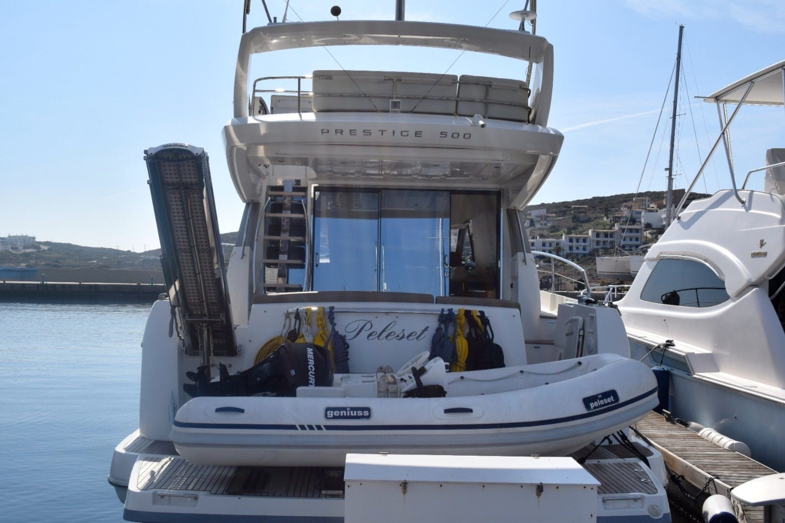 peleset motoryacht exterior (1) min -  Valef Yachts Chartering - 1043