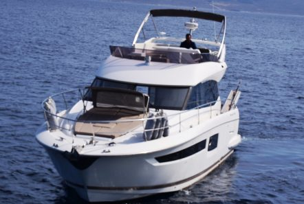 peleset motoryacht exterior (4) min -  Valef Yachts Chartering - 1040