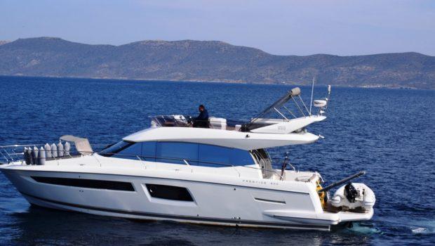 peleset motoryacht profile min -  Valef Yachts Chartering - 1037